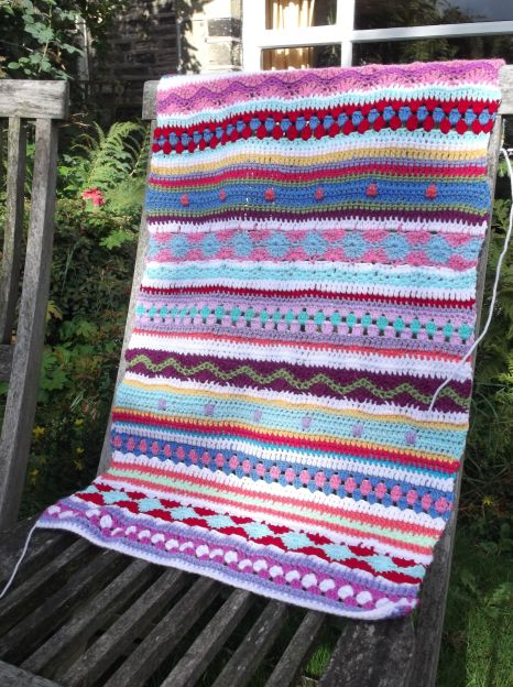Stripy Cushion in progress.