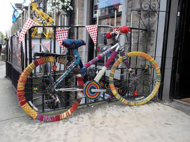 Tour de France yarn bombing.